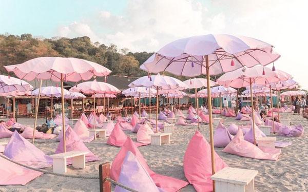 sombrillas rosas